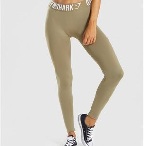 New with tags Gymshark fit leggings